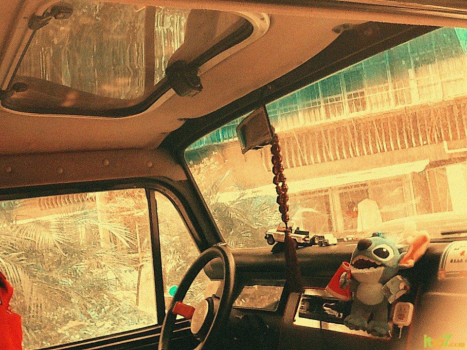 jeep陆迪.2.0排量!电喷.和切诺基的发动机一样.四条胎都高清图片