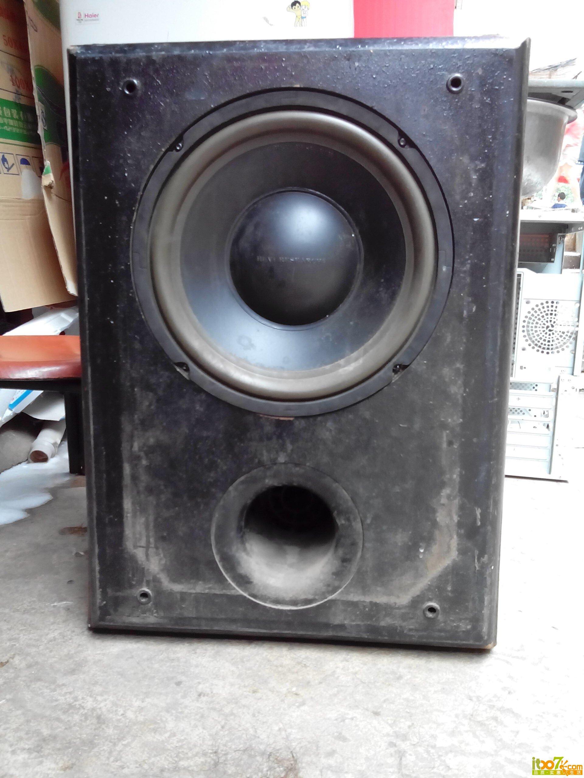 低音炮 10年前自己买diy的 当时买喇叭河定做箱体 花了800多高清图片
