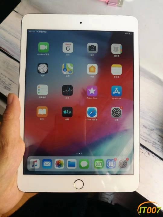 iPad mini3,64G金色wifi版,游戏随便玩999元。。