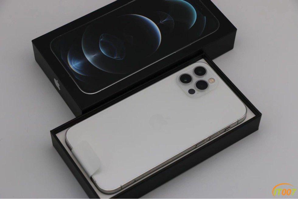处理激活三天没有使用的iPhone12 Pro银色港版128G