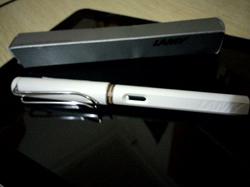 [晒单]国内半价到手 过年前到的凌美钢笔Lamy Safari Fountain Pen, White Medium Nib
