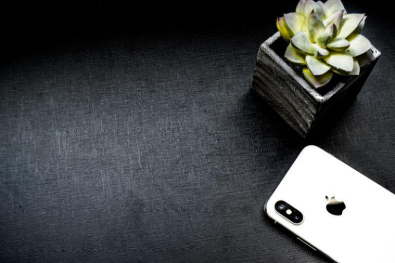 新一代iPhone如何取胜?外媒:没有新设计也必须大幅提升性能