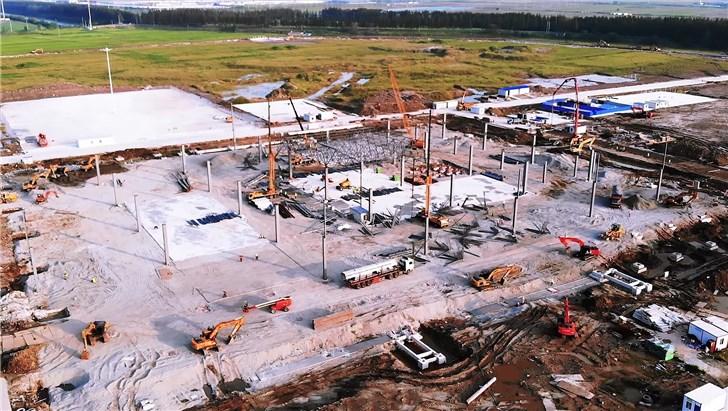 特斯拉上海工厂二期建设加速,充电站等设施渐成形