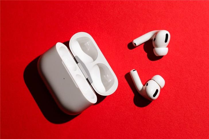 分析师:黑五期间苹果大约卖出了300万对AirPods