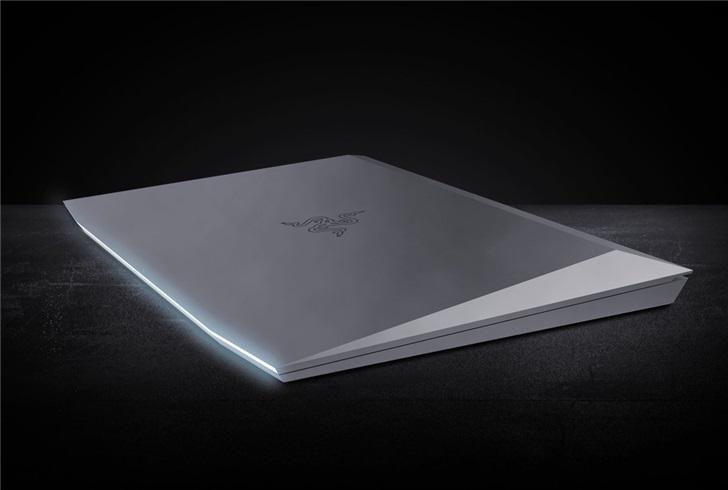 """雷蛇CEO艾特马斯克:看看我们的""""赛博灵刃""""笔记本"""