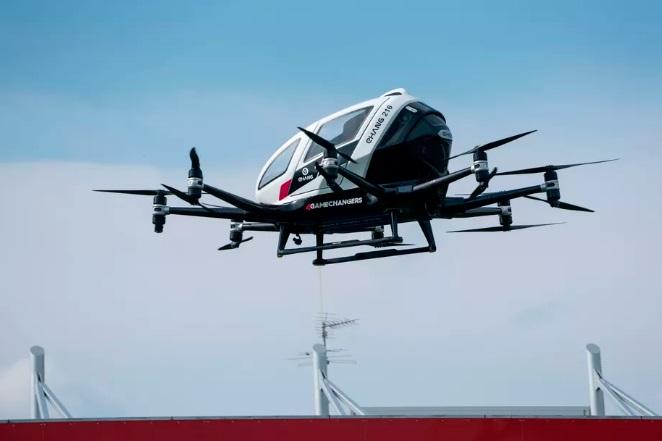 亿航双座电动飞机首次在美试飞,时速128公里