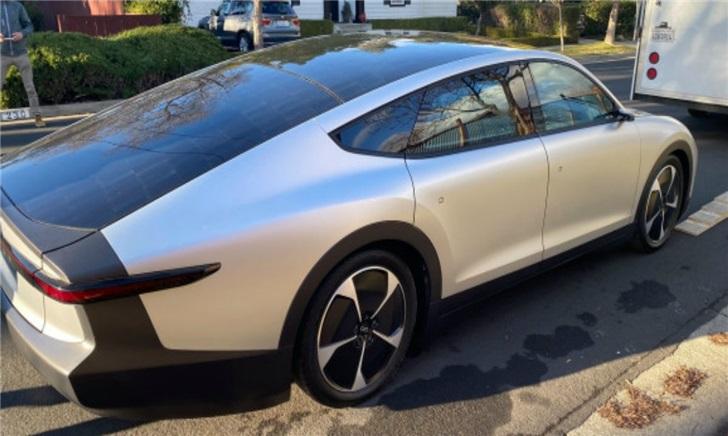 燃油车不环保?电动车续航困难?也许你该试试太阳能汽车