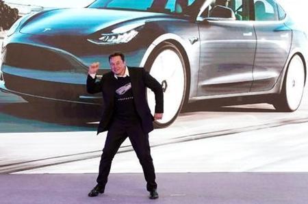 特斯拉市值突破1000亿美元超越大众汽车,仅次于丰田