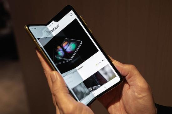 最新一波折叠屏手机来临,实力 or 噱头 ?