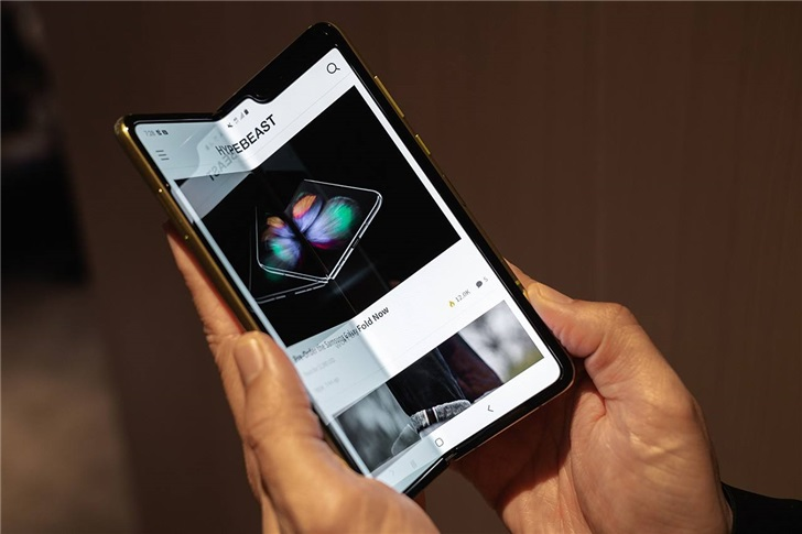 韩媒:三星Galaxy Fold 2将使用聚酰亚胺+超薄玻璃分层屏幕