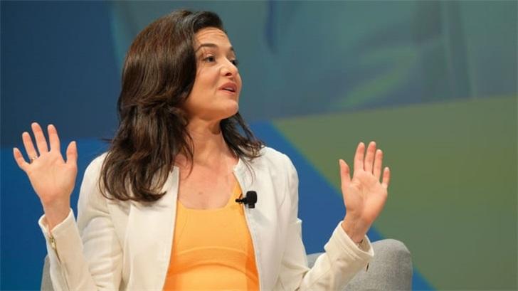 疫情不裁员,Facebook年底前再招10000名产品和工程员工