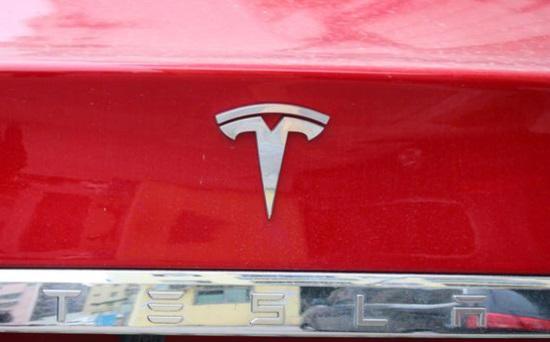 分析师:特斯拉能实现 50 万辆汽车年度交付目标,2022 年将达 100 万辆