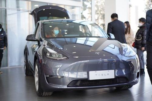 特斯拉首次回应 Model Y 降价:并非降价,国产版本是首销