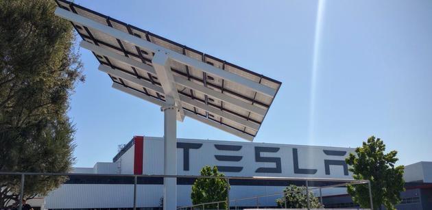 马斯克证实特斯拉近期停产,新版 Model S/X 需求旺盛将两班连续生产