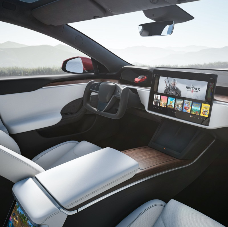 马斯克态度坚决:不考虑为特斯拉新车型提供传统圆形方向盘选配