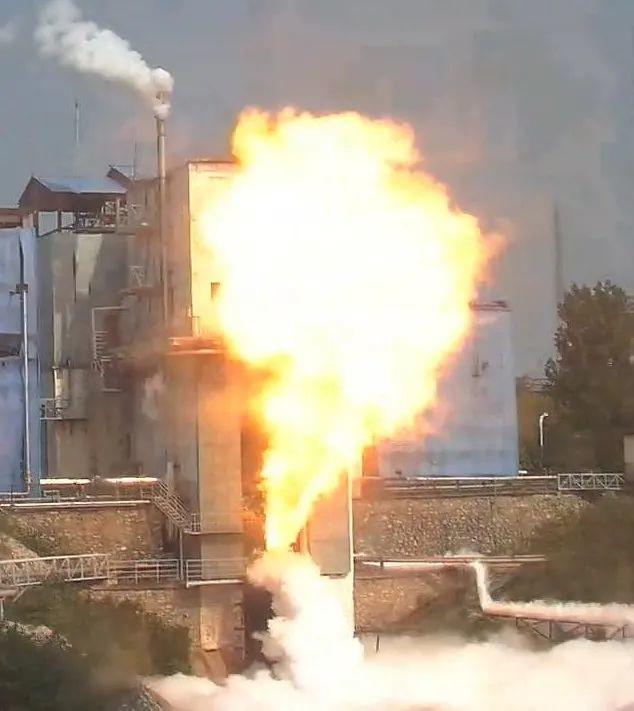 我国重型运载火箭 220 吨级补燃循环氢氧发动机新突破,首次半系统试验圆满成功